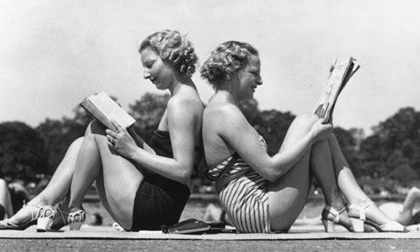 vintage girls reading